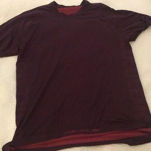 Mens L lululemon classic tshirt